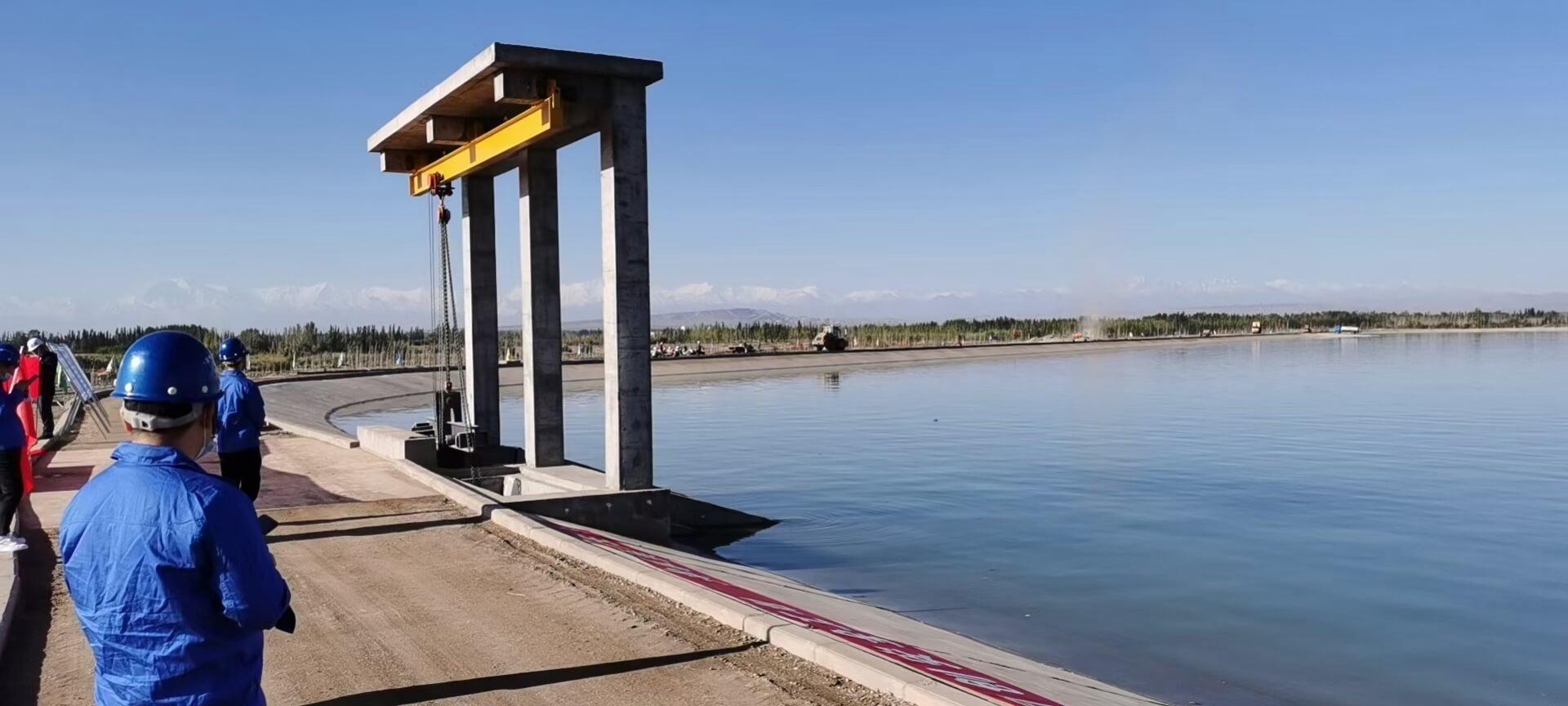 喀什吐曼河沉沙(条渠)建设项目